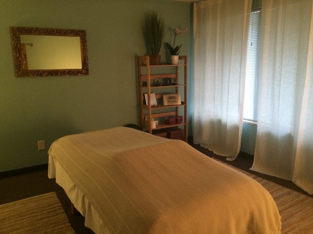 image of thrive massage and bodywork therapy room